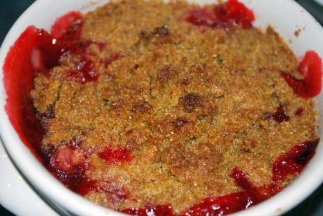 Picture of Individual Strawberry Rhubarb Crisp