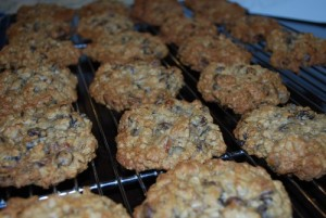 Picture of Jazzy Chunky Oatmeal Cookies, Step 3