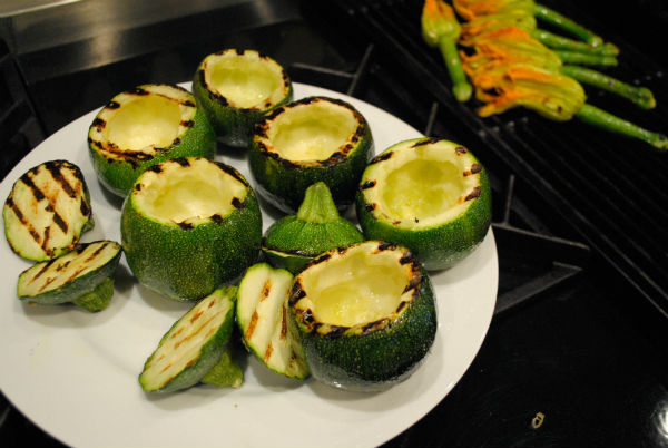 Juicing and stuffed zuchinni 020