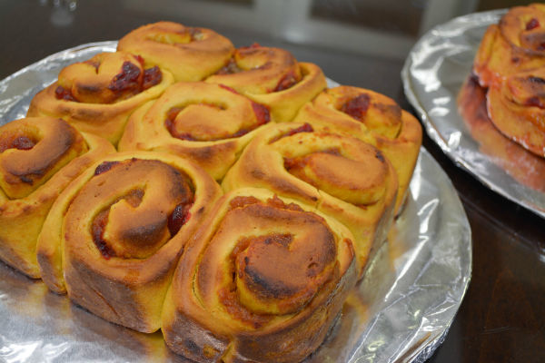 cinnamon and pumpkin rolls 070
